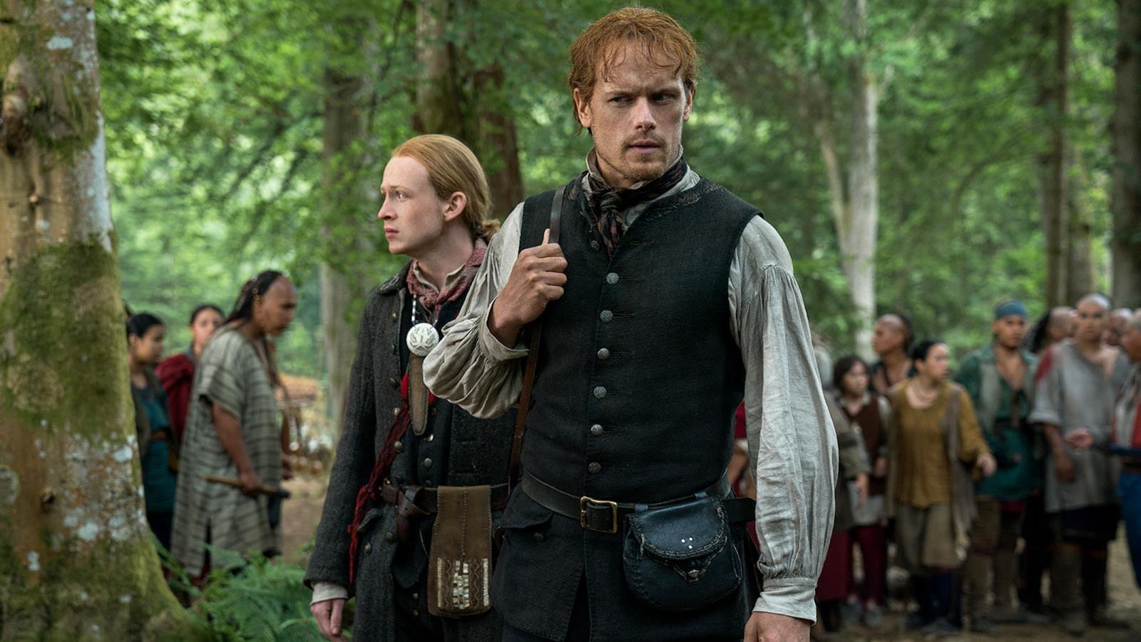 Jamie et Ian arrive dans le village mohawk.
