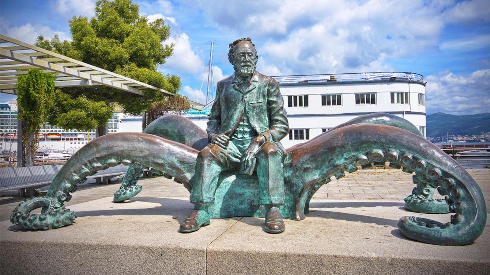 Statue de Jules Verne à Vigo, en Espagne.