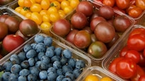 Des fruits et légumes à l'épicerie