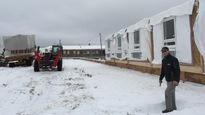 27 chambres préfabriquées parcourent un total de 50000km pour agrandir un hôtel