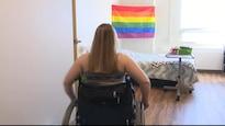 Fanny Martin Belisle en chaise roulante, dans son appartement de la résidence pour aînés