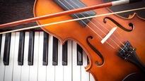 Un clavier et un violon