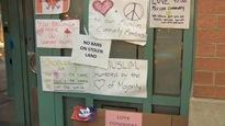 Des messages de soutien affichés sur la mosquée Masjid au centre-ville de Toronto.