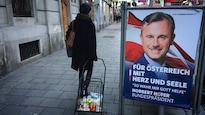 Une pancarte gribouillée de Norbert Hofer, candidat d'un parti d'extrême droite en Autriche.
