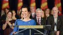 La mairesse de Montréal, Valérie Plante, à un podium identifié à la Ville de Montréal, prononçant un discours lors de son assermentation, le 16 novembre 2017.