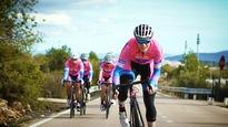 Une partie de l'équipe cycliste franco-canadienne SAS-Macogep, en camp d'entraînement en Espagne au printemps 2017