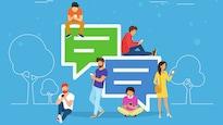 Illustration vectorielle montrant 6 jeunes gens utilisant leurs téléphones portables et s'accoudant sur de gros phylactères similaires à ceux des principaux logiciels ou services de messagerie en ligne.