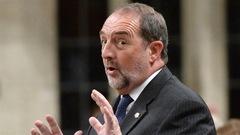 Pas de favoritisme envers les circonscriptions conservatrices sous Harper, dit Lebel