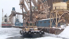 Les employés d'ArcelorMittal adoptent un mandat de grève