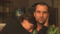 Un homme plonge sous la glace trois fois pour sauver sa femme piégée dans un lac à Val-des-Monts