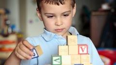 Un langage révolutionnaire pour communiquer avec les autistes