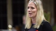 Un député conservateur s'excuse d'avoir qualifié Catherine McKenna de «Barbie du climat»