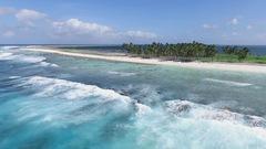 Un atoll étouffé par le plastique
