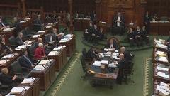 Le gel des salaires des députés provinciaux ne sera pas levé avant 2019