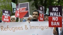 Le décret migratoire de Trump remis partiellement en vigueur par la Cour suprême