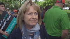 Madeleine Meilleur participe à la Marche citoyenne pour #OttawaBilingue