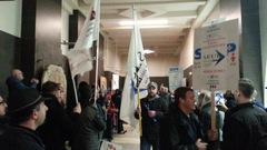Brève manifestation des employés de soutien de l'Université Laval
