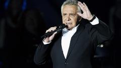 «J'arrête de chanter. Définitivement.» - Michel Sardou