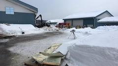 La toiture d'une ferme s'effondre à Saint-Tite:une personne manque à l'appel
