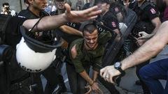 La Marche des fiertés en Turquie dispersée par les policiers