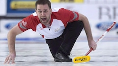 Brad Gushue défait Niklas Edin en finale de l'Omnium canadien