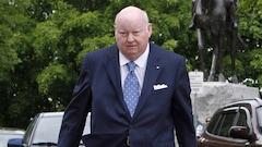 Mike Duffy, innocenté d'accusations de fraude, poursuit Ottawa