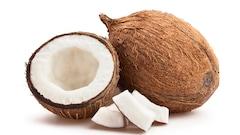 De l'eau usée, filtrée par de l'écorce de noix de coco