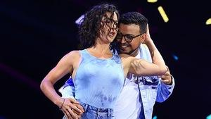 Alice Pascual et Mehdi Bousaidan dansent un jive