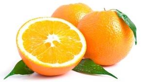 2 oranges entières et une demi-orange