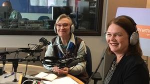 Carolyn Bennett, ministre des Relations Couronne-Autochtones et des Affaires du Nord, chargée des droits issus des traités, et Jane Philpott, ministre des Services aux Autochtones.