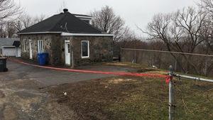Les résidents de la maison ont été évacués à Shawinigan en raison d'un affaissement de terrain.