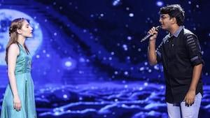 Ariane Roberto sur scène en Inde