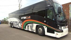 Autobus de la compagnie Intercar au terminus de Sept-Îles.