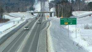 L'autoroute 50 a été construite en fonction d'un élargissement éventuel.