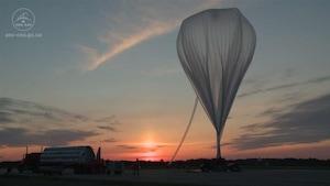 Le ballon stratosphérique, quelques minutes avant son lancement