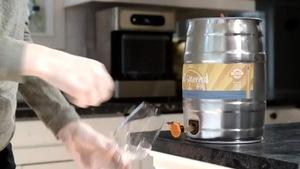Une machine pour fabriquer sa propre bière chez soi