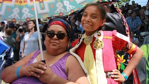 Bonita Georges et sa fille Chyella Star Georges Gamble (Nation Mohawk)
