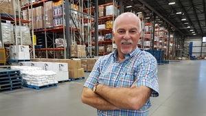 Jean Laberge, président du groupe Canac, dans son centre de distribution de Saint-Augustin-de-Desmaures