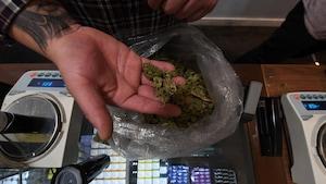 Quel serait le prix d'un gramme de cannabis légal?