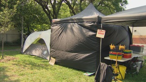 Le centre d'injection non autorisé a été installé dans le parc Raphael-Brunet le 25 août.