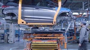 Une chaîne de montage d'une usine automobile.