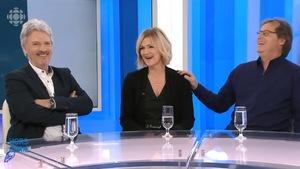Les comédiens de La Petite Vie rient lors d'une entrevue avec Anne-Marie Dussault.