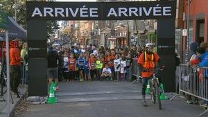 De jeunes participants à la course Courir aux abris.