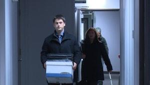 Gabriel Cyr entre dans le tribunal