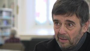 Portrait rapproché de Damien Carême, maire écologiste de Grande-Synthe en France, lors d'une entrevue à Québec