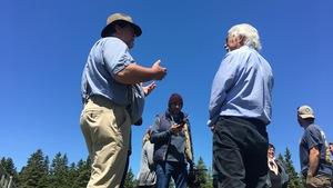 Le scientifique environnementaliste David Suzuki à l'île d'Anticosti