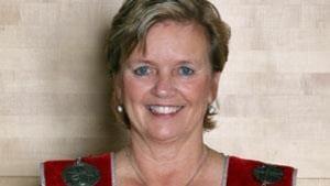Une photo de L'ancienne mairesse de Sault-Sainte-Marie, Debbie Amaroso. Elle devrait être élue par acclamation comme candidate du Parti libéral de l'Ontario à l'élection partielle.