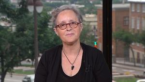 Lynne Pion, accompagnatrice spécialisée en gestion du deuil animalier.
