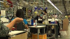 Employées dans un atelier de Vêtement Peerless