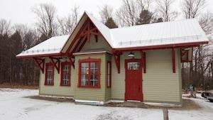 Le pavillon est une réplique d'une gare construite dans les années 30